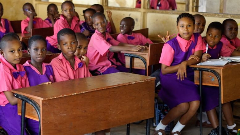 Nigeria pays parents to sent daughters to school